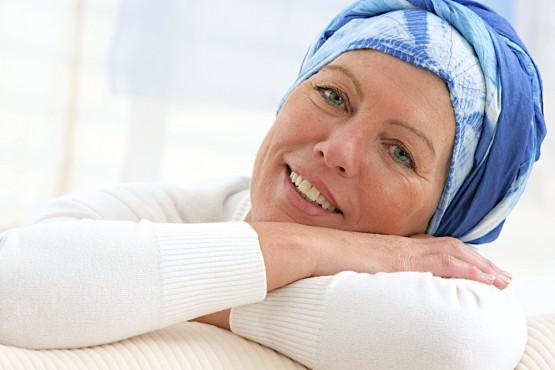 Neben einer sorgfältigen Diagnostik bietenwir begleitend zur Bestrahlungs- und Chemotherapie verschiedene alternative Krebstherapien an.  © JPC-PROD (163011854) / shutterstock.com